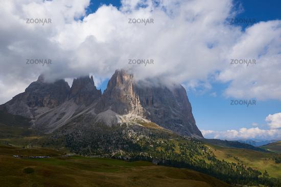 The Langkofel peaks (Sassolungo)