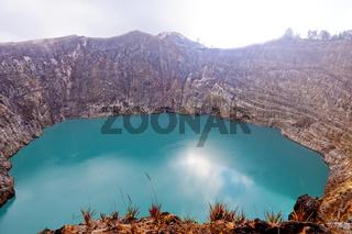 Kratersee des Vulkanes Kelimutu-Tiwu Ata Polo- Flores