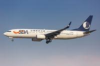 SDA Shandong Airlines Boeing 737-800 Flugzeug Flughafen Shanghai Hongqiao