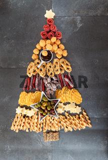 Snacks in Form eines Weihnachtsbaum