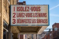 Recommendations for avoiding Coronavirus on cinema board in French language