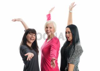 drei fröhliche freundinnen