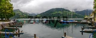 Bootsanlegestelle am Zeller See am frühen Morgen