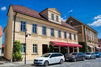 lübbenau, deutschland - 23.05.2019 - sanierte altbauten in der historischen altstadt