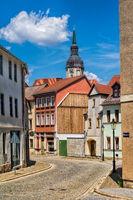 naumburg, deutschland - 18.06.2019 - idyllische gasse in der altstadt