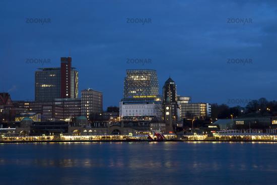 St. Pauli gangplanks in Hamburg by night, Germany