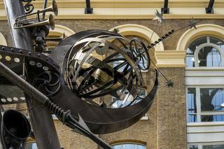 Close-up of The Navigators sculpture by David Kemp