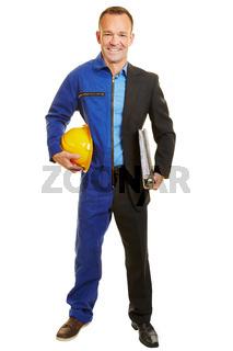 Mann in Berufskleidung von Arbeiter und Manager