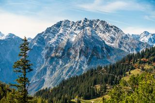 Blick auf die Ostwand des Watzmanns vom Jenner aus gesehen, Nationalpark Berchtesgaden