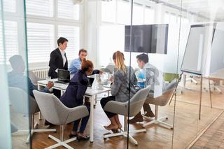 Business Leute bei einer Projekt Planung