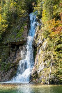 Wasserfall in den Königssee wie man es vom Touristenboot aus sieht, Berchtesgaden, Deutschland