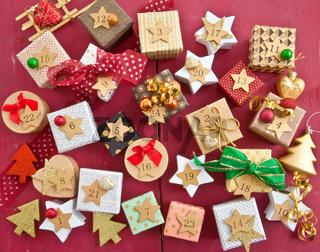 Adventskalender mit kleinen Geschenken