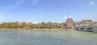 Basler Rheinufer mit ehemaliger Kaserne , Schweiz