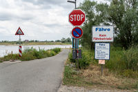 No ferry service due to low water on the Elbe