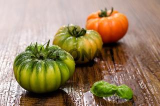 Italienische Tomaten mit Basilikum