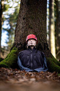 Single resuscitation dummy in the forest