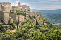 View of the mountain village of Gordes in the Luberon