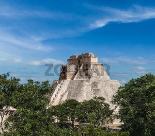 Anicent mayan pyramid (Pyramid of the Magician