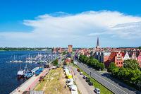 Blick auf den Stadthafen der Hansestadt Rostock