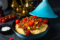 Tomato bulgur with vegetables and minced meat