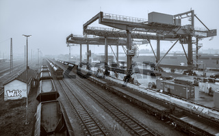 Containerkraene und Containerbahnhof in Hof
