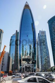 Daytime view of a skyscraper