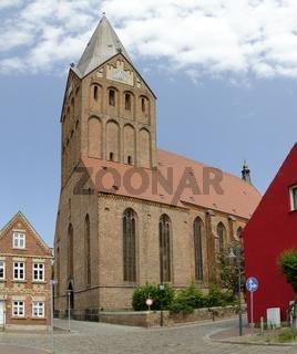 Backsteingotische Sankt-Marien-Kirche in Barth
