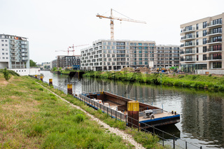 Berlin, Deutschland, Neubauwohnungen entlang des Kanals in Moabit