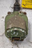 Alte Kraftsteckdose aus Metall Kragensteckdose DDR