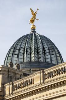Glaskuppel der Kunstakademie, Dresden, Sachsen, Deutschland, Europa