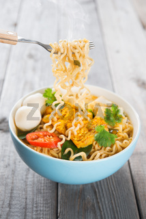 Fresh hot spicy curry instant noodles