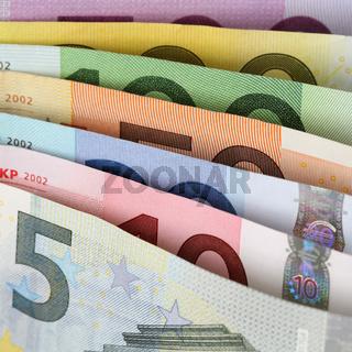 Alle aktuellen Euro Scheine hintereinander
