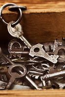 Various vintage metal keys