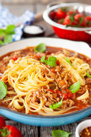 Linguine pasta with bolognese sauce