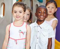 Gruppe von Kindern im Kindergarten
