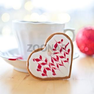 Herzfoermiges Plaetzchen zu Weihnachten