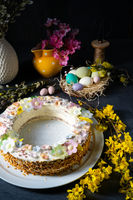 Perfect cake wreath for Easter table