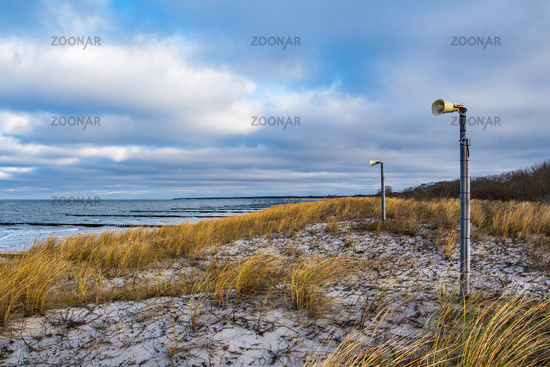 Lautsprecher an der Küste der Ostsee auf dem Fischland-Darß