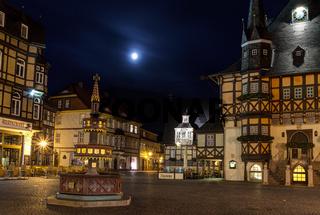 Nachtaufnahme historischer Marktplatz Wernigerode