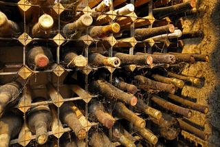 alte Weinflaschen 5.jpg