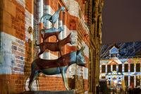 Illuminated Bremen Town Musicians with Schuetting, Light Art in the City 2020, Bremen, Germany