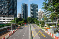 Singapur, Republik Singapur, Leere Strassen im Stadtzentrum waehrend Covid-19 Ausgangsbeschraenkung
