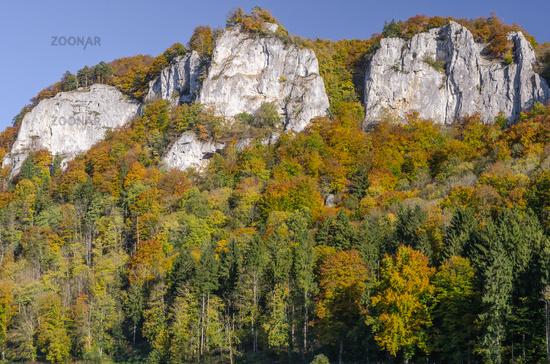 Hausener Zinnen in the autumnal Danube Valley, Hausen im Tal, Upper Danube Valley, Baden-Wuerttember