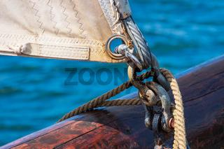 Detail eines Segelschiffes auf der Hanse Sail in Rostock