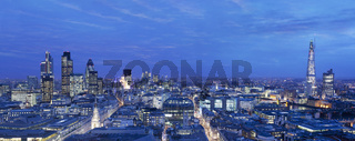 Panoramic view of the city of London at dusk