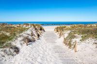 Strandzugang an der Ostseeküste in Wustrow auf dem Fischland-Darß