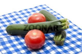 Tomaten mit Zucchini
