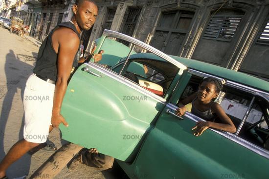 CUBA HAVANA AMERICAN CAR