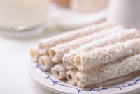 Crispy coconut wafer rolls