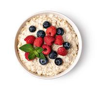 prepared oatmeal with berries